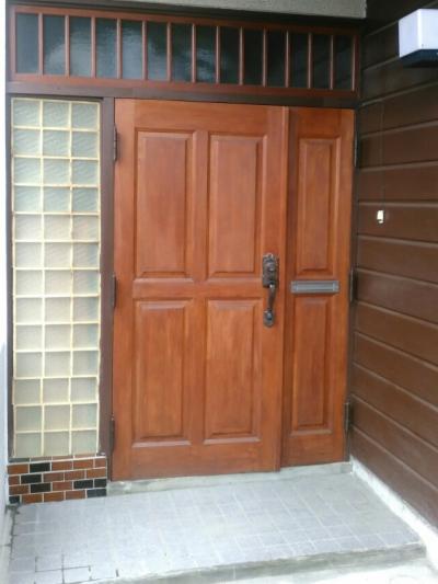 壁をこわさずドア・引戸を交換する
