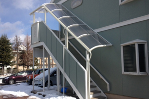 アパート外階段屋根修理